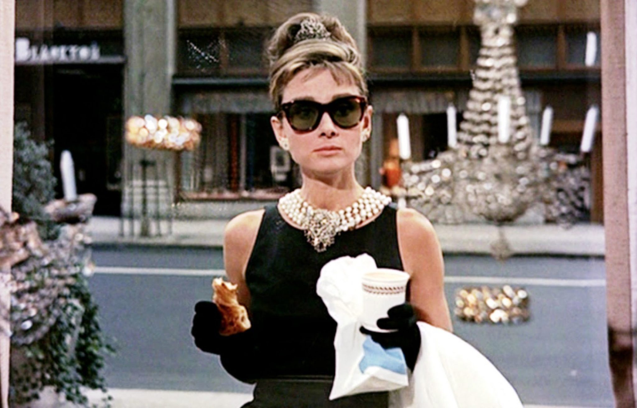 Breakfast at Tiffany's Holly Golightly Cadılar Bayramı
